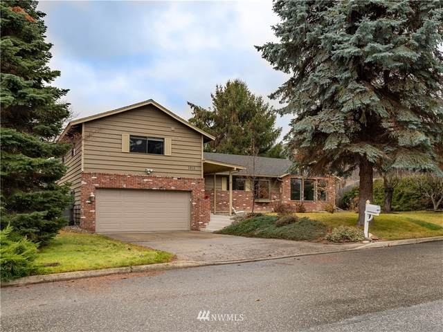 1811 Orchard Avenue, Wenatchee, WA 98801 (#1716193) :: TRI STAR Team | RE/MAX NW