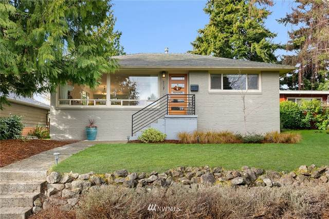 4127 54th Avenue SW, Seattle, WA 98116 (#1716551) :: The Original Penny Team