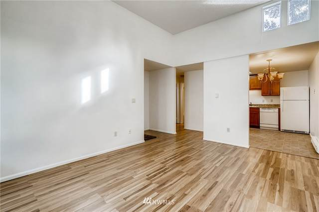 14600 SE 176th Street F3, Renton, WA 98058 (#1716705) :: Ben Kinney Real Estate Team