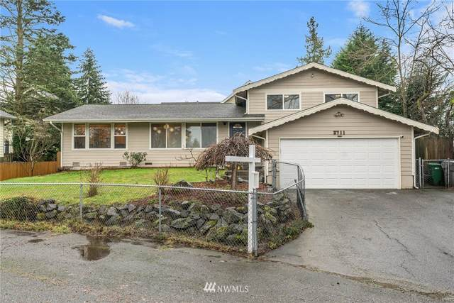 2711 SW 105TH Street, Seattle, WA 98146 (#1716858) :: Better Homes and Gardens Real Estate McKenzie Group
