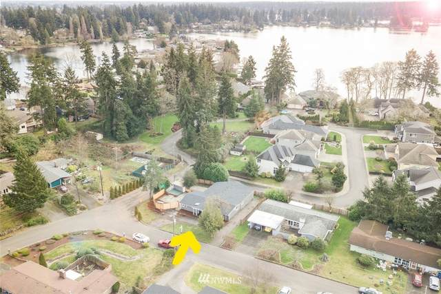 7802 Oakridge Drive SW, Lakewood, WA 98498 (#1716981) :: Ben Kinney Real Estate Team