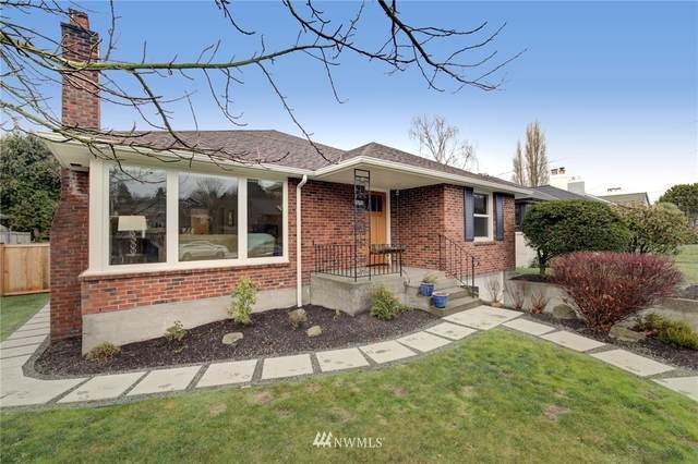 2607 32nd Avenue W, Seattle, WA 98199 (#1717117) :: Ben Kinney Real Estate Team
