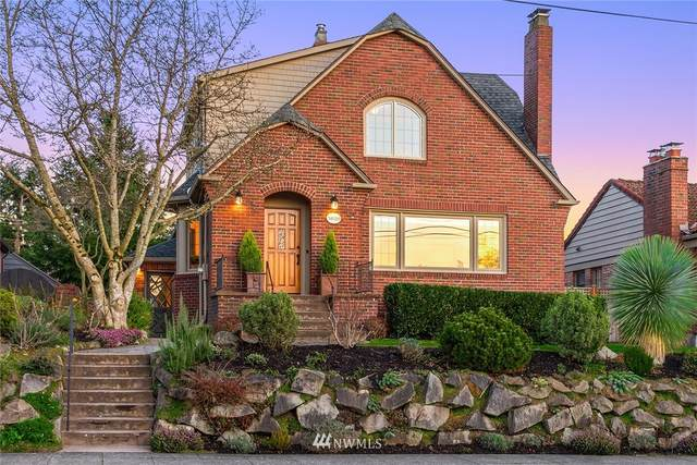 3020 29th Avenue W, Seattle, WA 98199 (#1717164) :: Ben Kinney Real Estate Team