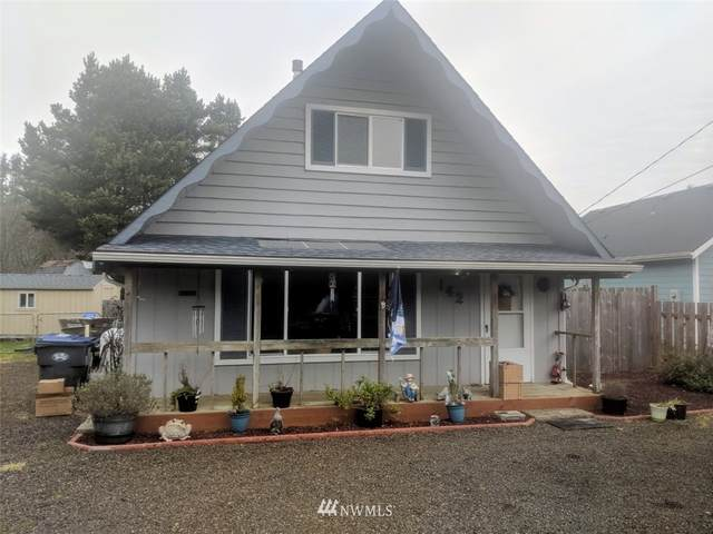 142 Helm Street NW, Ocean Shores, WA 98569 (#1718138) :: Ben Kinney Real Estate Team