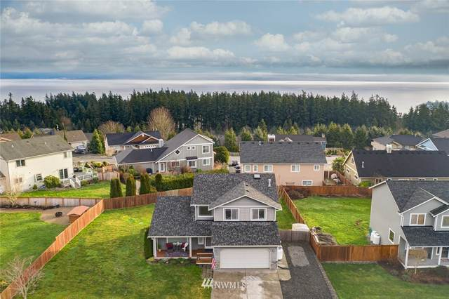 1137 S Central Drive, Camano Island, WA 98282 (MLS #1718159) :: Brantley Christianson Real Estate