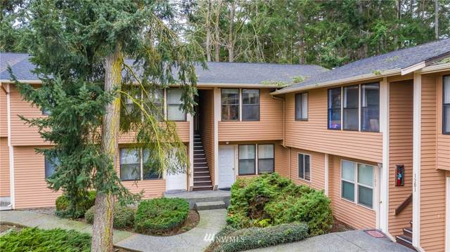 1201 SW Harrier Circle #204, Oak Harbor, WA 98277 (MLS #1718524) :: Community Real Estate Group
