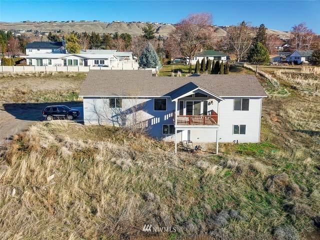 2599 NW Columbia Avenue, East Wenatchee, WA 98802 (#1718837) :: Ben Kinney Real Estate Team