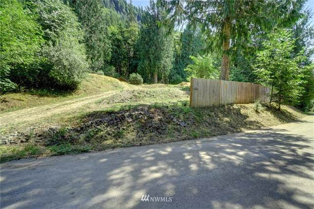 37406 E Lake Walker Drive SE, Enumclaw, WA 98022 (#1719085) :: Commencement Bay Brokers