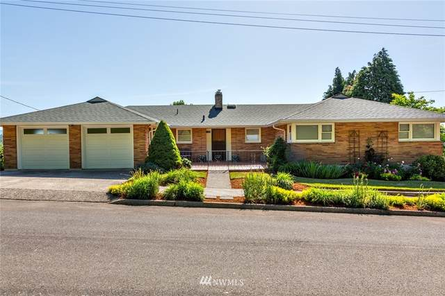 2020 NW Couch Street, Camas, WA 98607 (#1719467) :: Costello Team
