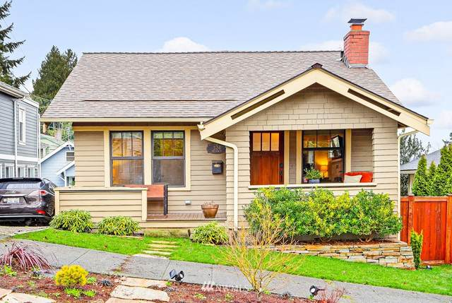 324 NE 54th Street, Seattle, WA 98105 (#1719748) :: Ben Kinney Real Estate Team