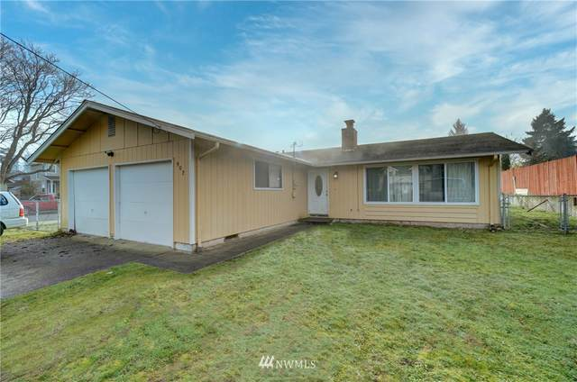 902 S 88th Street, Tacoma, WA 98444 (#1719845) :: Keller Williams Western Realty