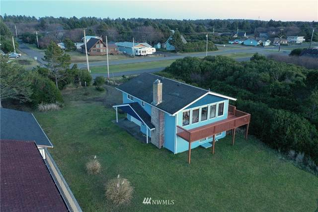 421 Ocean Shores Boulevard NW, Ocean Shores, WA 98569 (#1719979) :: Ben Kinney Real Estate Team