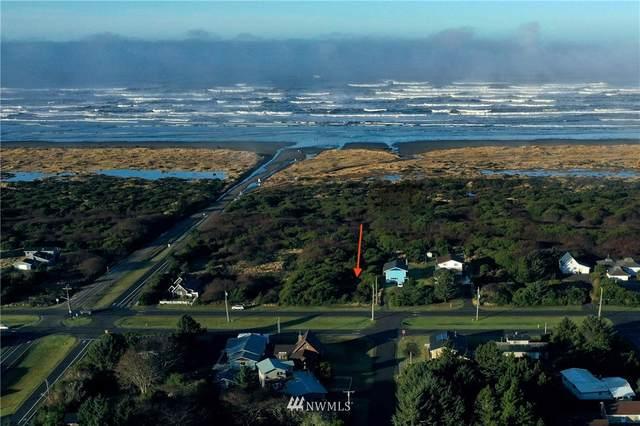 419 Ocean Shores Boulevard NW, Ocean Shores, WA 98569 (#1719990) :: Ben Kinney Real Estate Team