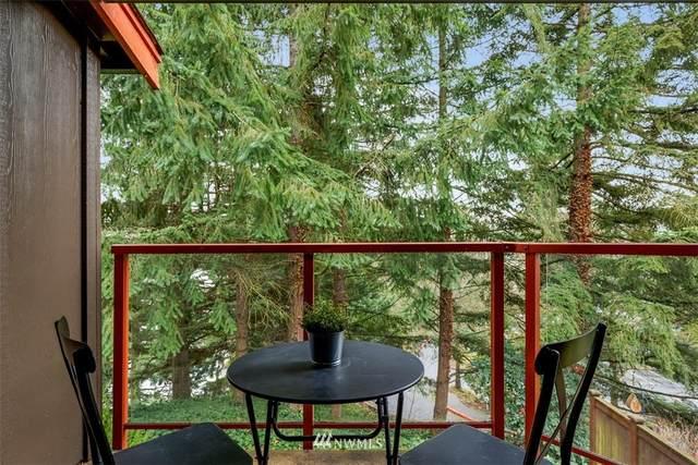 11060 NE 33rd Place E3, Bellevue, WA 98004 (MLS #1720084) :: Community Real Estate Group