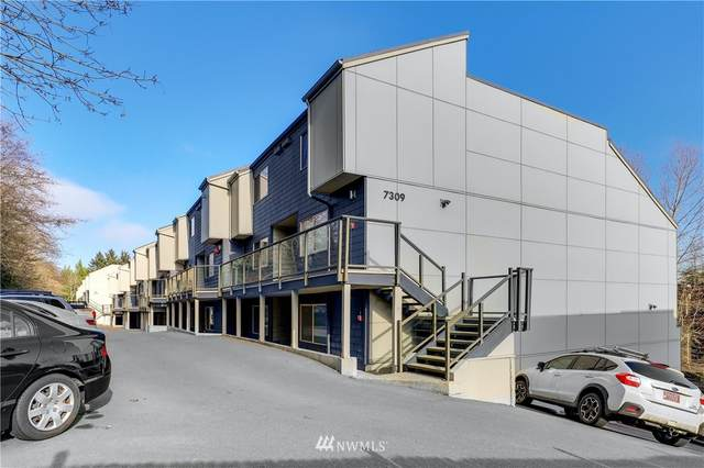 7307 Sandpoint Way NE #838, Seattle, WA 98115 (#1720167) :: Ben Kinney Real Estate Team