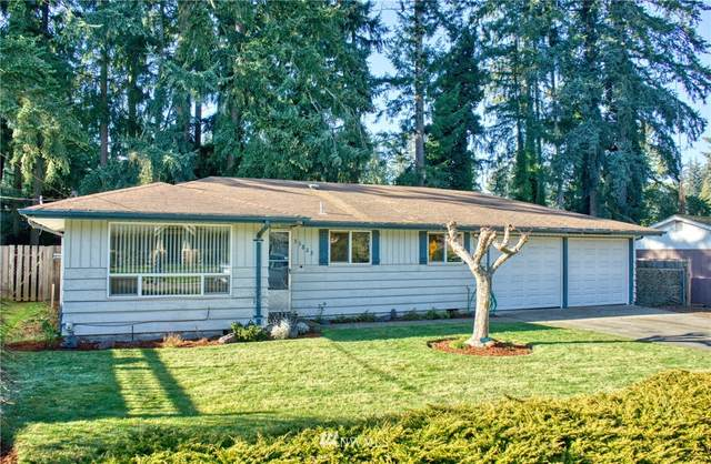 35823 12th Avenue SW, Federal Way, WA 98023 (#1720610) :: Beach & Blvd Real Estate Group