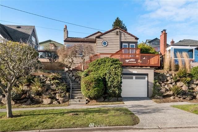 2107 26th Avenue W, Seattle, WA 98199 (#1720817) :: Ben Kinney Real Estate Team