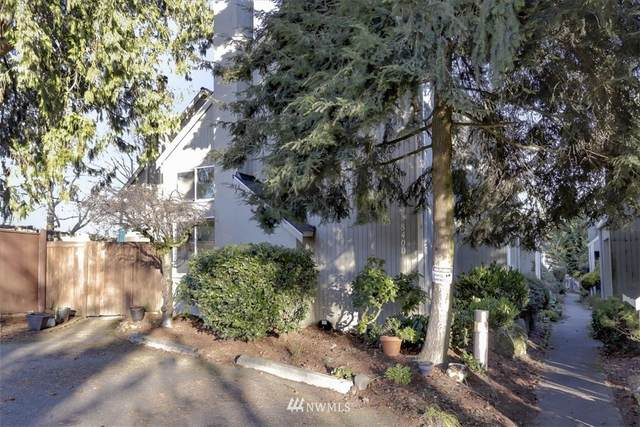 8400 26th Avenue SW A, Seattle, WA 98106 (#1721681) :: The Original Penny Team