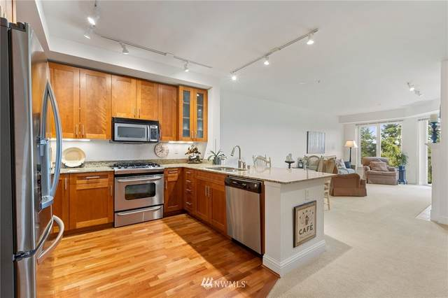 18707 SE Newport Way #304, Issaquah, WA 98027 (#1721835) :: Lucas Pinto Real Estate Group