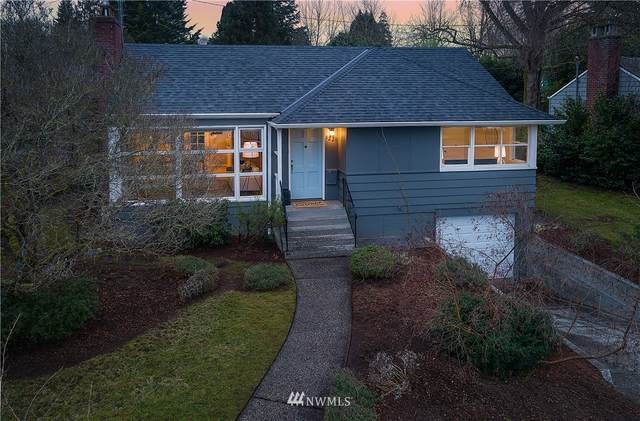 8220 40th Avenue NE, Seattle, WA 98115 (#1721965) :: Costello Team