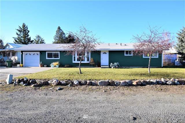 738 Ridge Place, Omak, WA 98841 (MLS #1722101) :: Brantley Christianson Real Estate