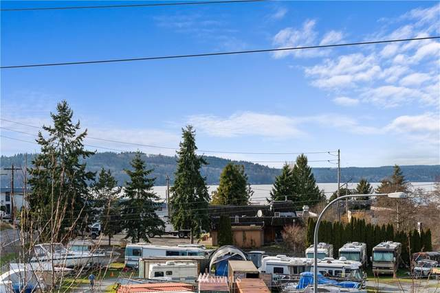 1027 S 230th Street #302, Des Moines, WA 98198 (#1722389) :: Canterwood Real Estate Team