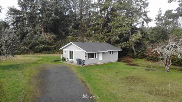 621 N Broadway, Westport, WA 98595 (MLS #1722580) :: Brantley Christianson Real Estate