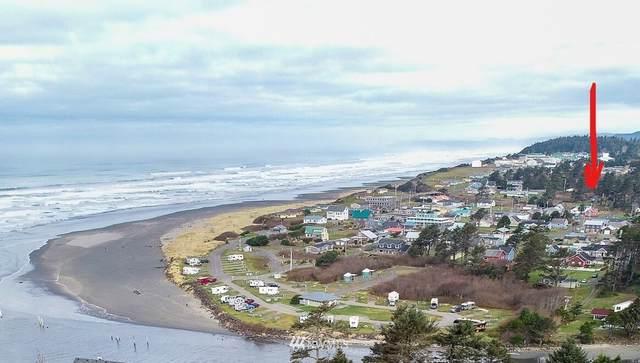 40 Main Street, Pacific Beach, WA 98571 (#1723049) :: Canterwood Real Estate Team