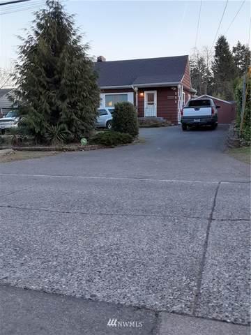 501 N 143rd Street, Seattle, WA 98133 (#1723394) :: Keller Williams Western Realty
