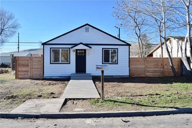 1223 SE Yakima St, Ephrata, WA 98823 (#1724747) :: Priority One Realty Inc.