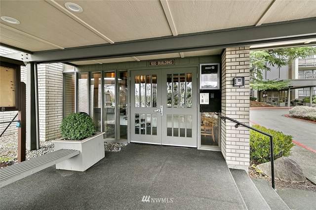 2500 81st Avenue SE #123, Mercer Island, WA 98040 (MLS #1726114) :: Brantley Christianson Real Estate