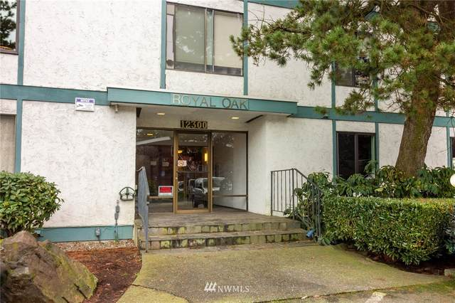 12300 28th Avenue NE #301, Seattle, WA 98125 (#1726137) :: TRI STAR Team | RE/MAX NW