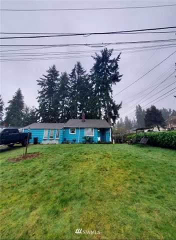 2303 N 149th Street, Shoreline, WA 98133 (#1726681) :: Costello Team