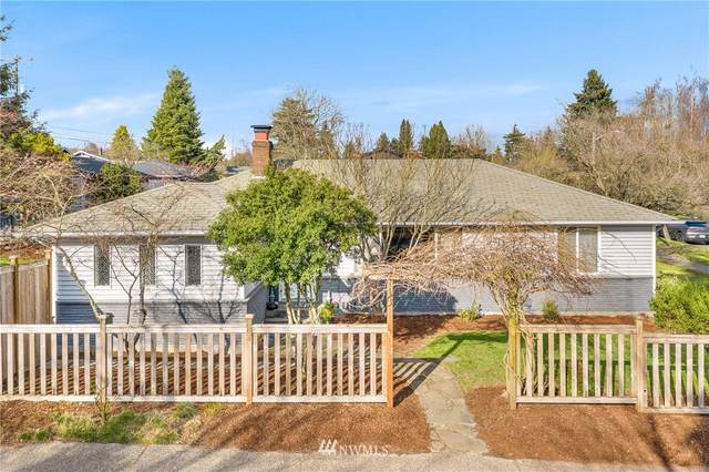3404 SW Henderson Street, Seattle, WA 98126 (#1729189) :: Pickett Street Properties