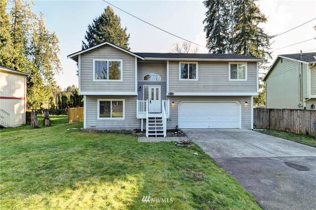 18328 113th Street NE, Granite Falls, WA 98252 (#1729809) :: Urban Seattle Broker