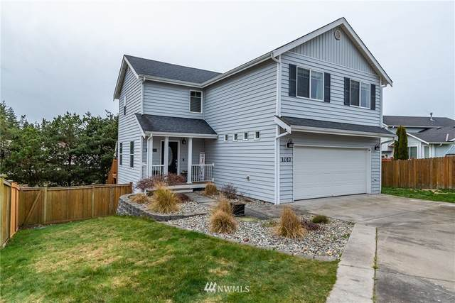 1017 NW Kelly Place, Oak Harbor, WA 98277 (MLS #1730579) :: Brantley Christianson Real Estate
