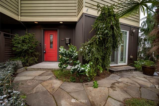 2500 Boyer Avenue E, Seattle, WA 98102 (MLS #1730876) :: Brantley Christianson Real Estate