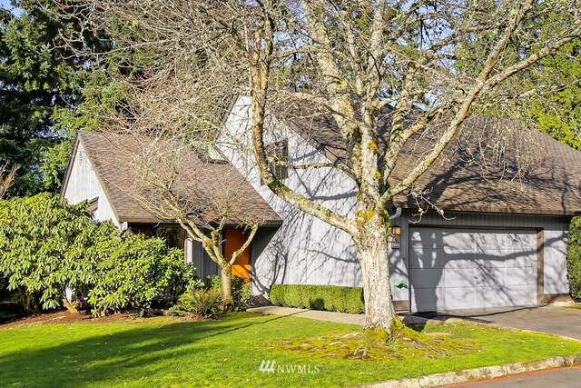 1705 159th Avenue NE, Bellevue, WA 98008 (#1731490) :: Alchemy Real Estate