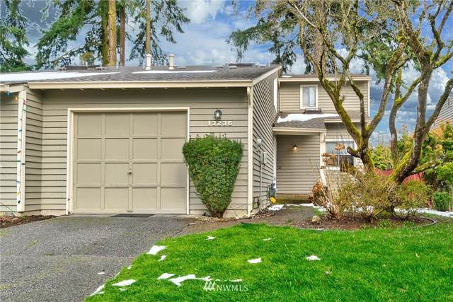 13236 NE 139th Place, Kirkland, WA 98034 (MLS #1732080) :: Brantley Christianson Real Estate