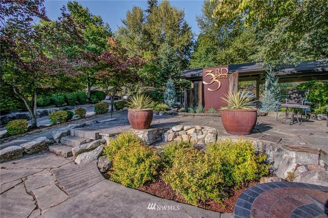 11058 NE 33rd Place C5, Bellevue, WA 98004 (#1732433) :: Priority One Realty Inc.