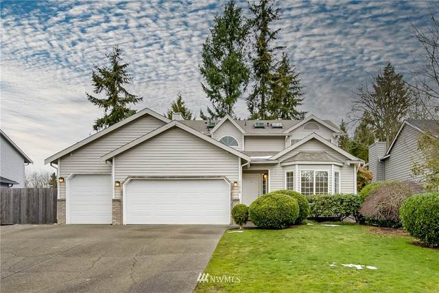 11810 SE 203rd Street, Kent, WA 98031 (#1733581) :: Urban Seattle Broker