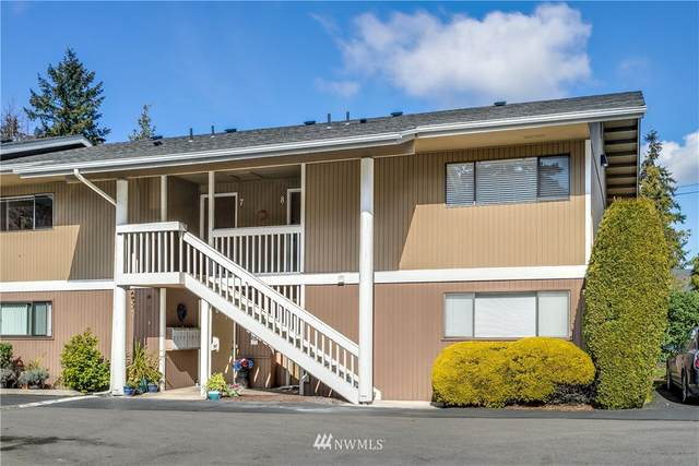14110 SE 17th Place D-7, Bellevue, WA 98007 (#1733723) :: Urban Seattle Broker