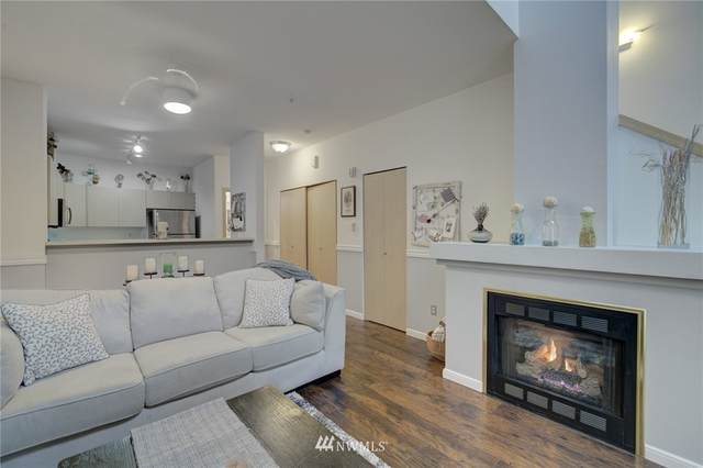 14525 1st Lane NE A, Duvall, WA 98019 (#1733793) :: Canterwood Real Estate Team