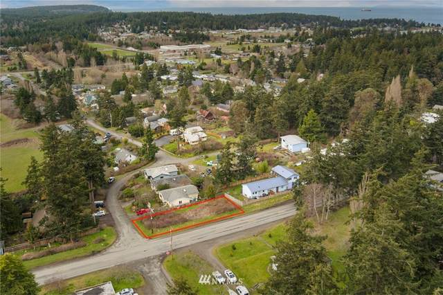 906 M Street, Port Townsend, WA 98368 (#1734057) :: Shook Home Group