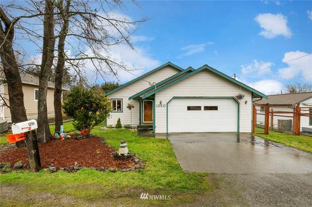 1250 12th Street, Port Townsend, WA 98368 (#1734082) :: Shook Home Group
