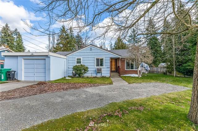 13724 17th Avenue NE, Seattle, WA 98125 (#1734095) :: TRI STAR Team | RE/MAX NW