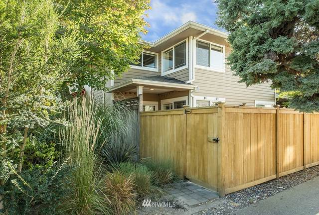 3033 60th Avenue SW #1, Seattle, WA 98116 (#1735420) :: Ben Kinney Real Estate Team