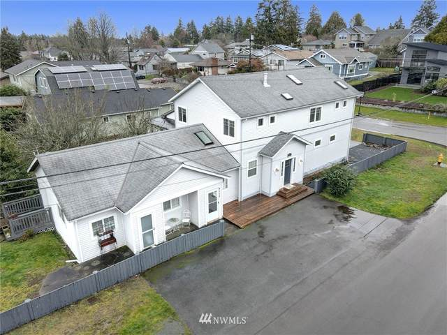 4104 SW 102nd Street, Seattle, WA 98146 (#1735966) :: Shook Home Group