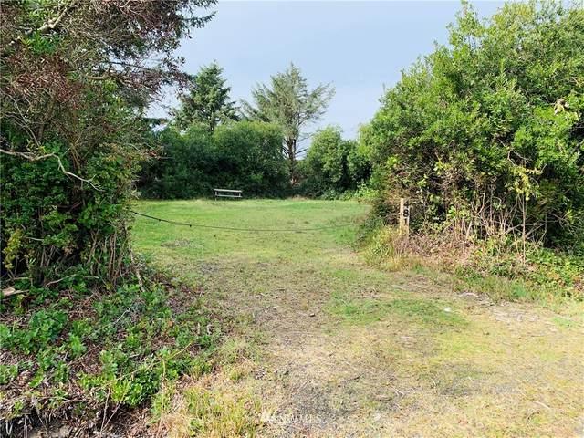 481 Inlet Avenue NW, Ocean Shores, WA 98569 (#1736402) :: Tribeca NW Real Estate