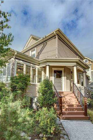 226 12th Avenue E, Seattle, WA 98102 (#1736403) :: Costello Team